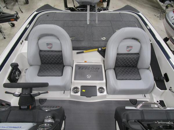 2020 Triton boat for sale, model of the boat is 21 TRX & Image # 16 of 30