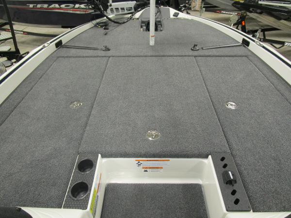 2020 Triton boat for sale, model of the boat is 21 TRX & Image # 23 of 30