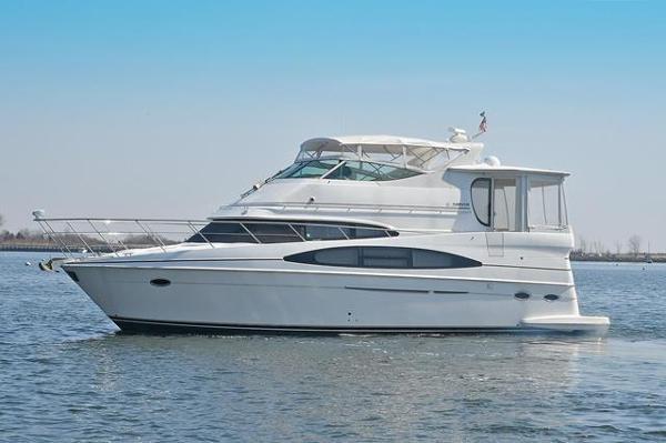 2001 Carver 466 Aft Cabin Motor Yacht thumbnail