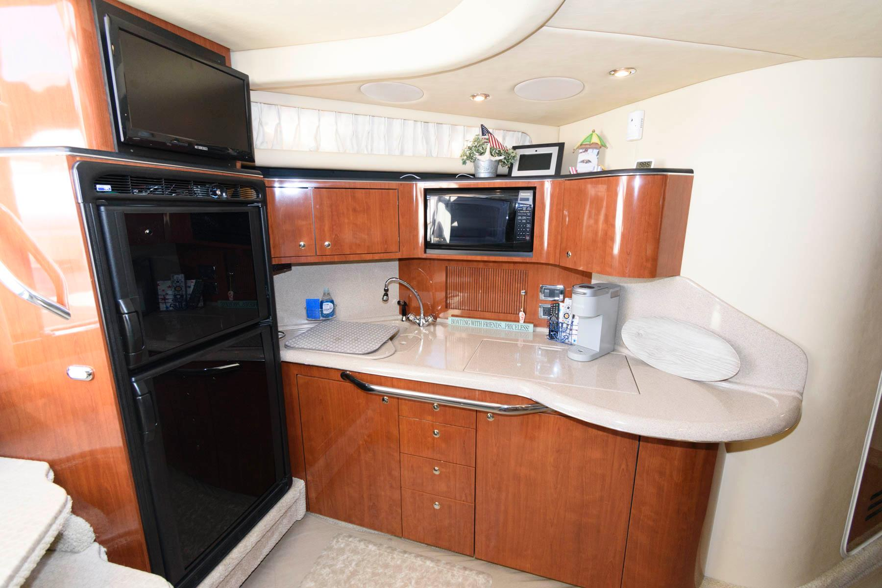 M 6290 RD Knot 10 Yacht Sales