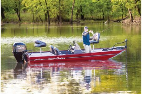 2020 Tracker Boats boat for sale, model of the boat is Basstracker Classic XLw/50ELPT & Image # 34 of 35