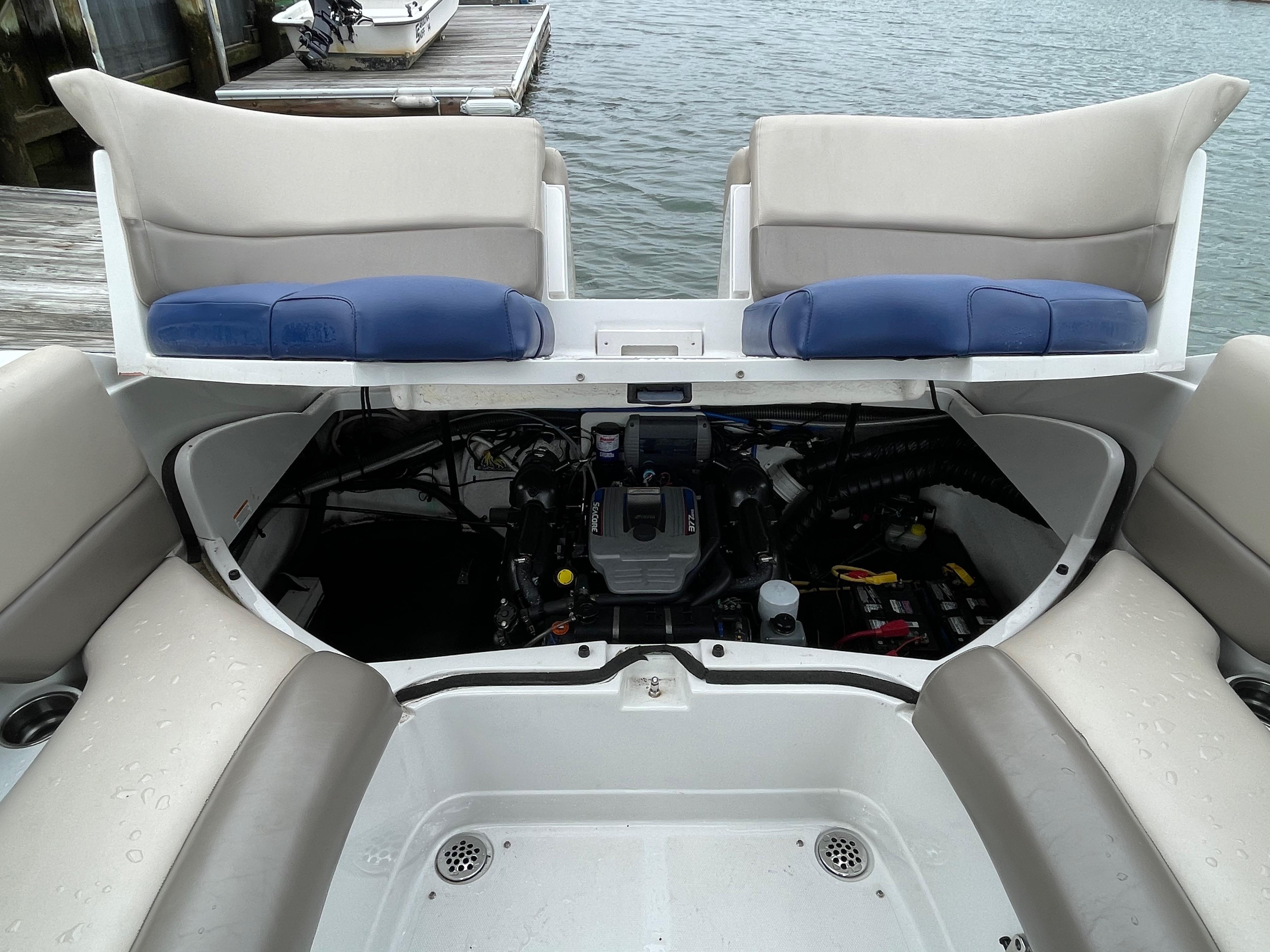 NY 5912 KM Knot 10 Yacht Sales