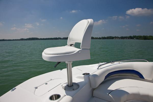 2014 Hurricane boat for sale, model of the boat is SunDeck 187 OB & Image # 6 of 12