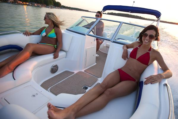 2014 Hurricane boat for sale, model of the boat is SunDeck 187 OB & Image # 5 of 12
