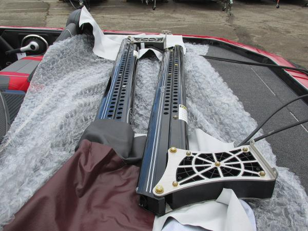 2020 Ranger Boats boat for sale, model of the boat is Z521C Ranger Cup Equipped & Image # 3 of 26