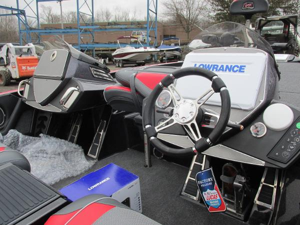 2020 Ranger Boats boat for sale, model of the boat is Z521C Ranger Cup Equipped & Image # 14 of 26