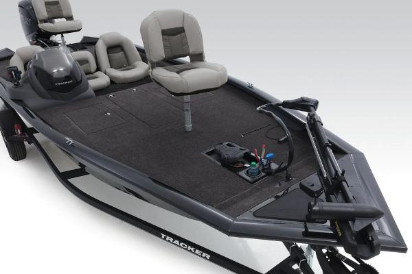 2018 Tracker Boats boat for sale, model of the boat is Pro Team 190 TX & Image # 9 of 34