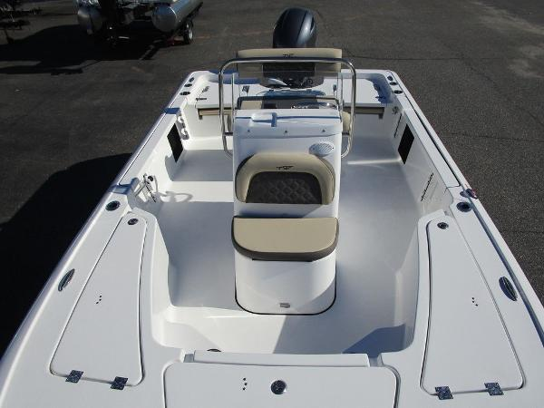 2021 Tidewater boat for sale, model of the boat is 1910 Bay Max & Image # 2 of 21