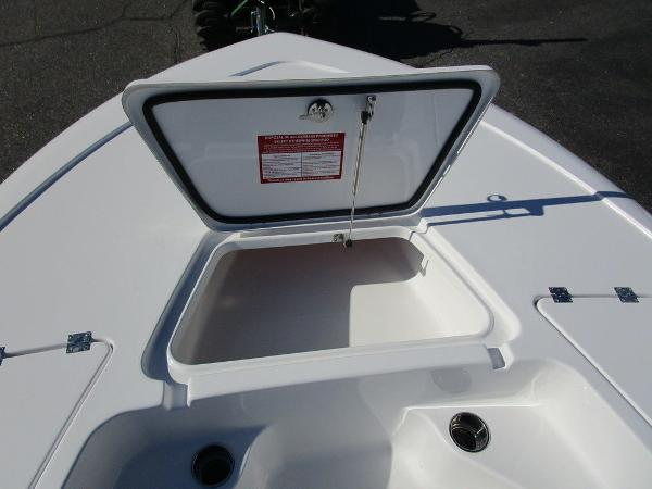 2021 Tidewater boat for sale, model of the boat is 1910 Bay Max & Image # 3 of 21