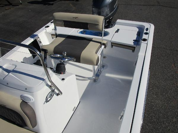 2021 Tidewater boat for sale, model of the boat is 1910 Bay Max & Image # 9 of 21