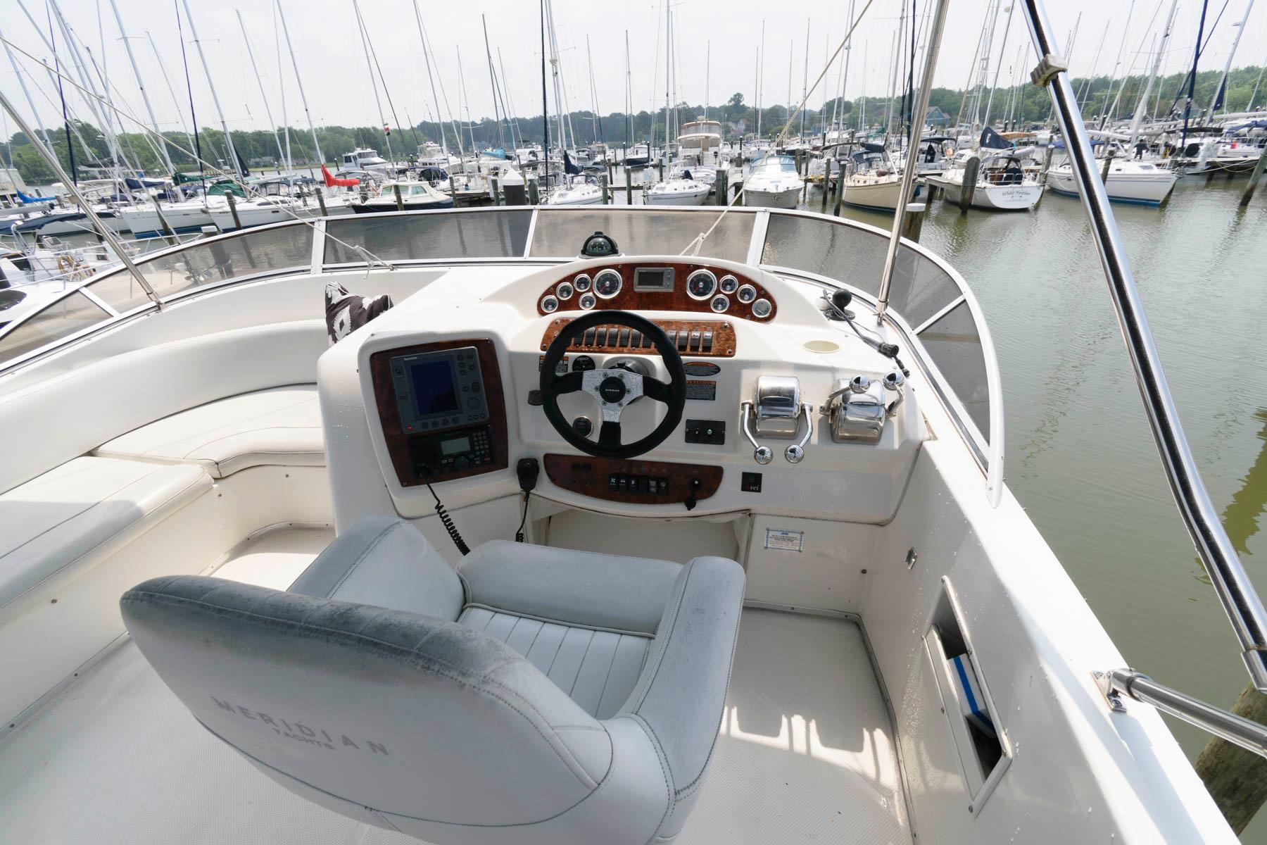 M 6157 EF Knot 10 Yacht Sales