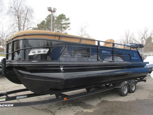2021 Regency boat for sale, model of the boat is 230 LE3 Sport & Image # 1 of 43