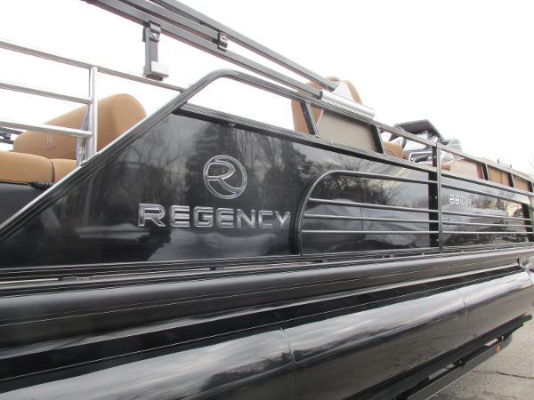 2021 Regency boat for sale, model of the boat is 230 LE3 Sport & Image # 11 of 43