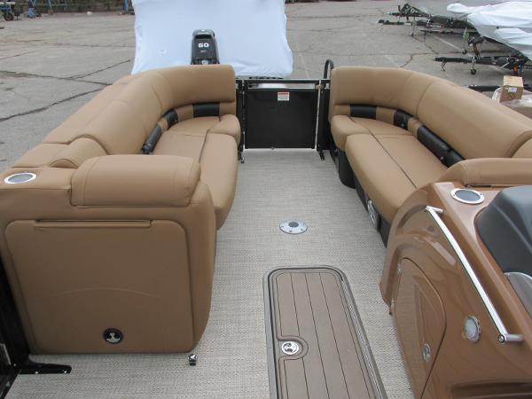 2021 Regency boat for sale, model of the boat is 230 LE3 Sport & Image # 12 of 43
