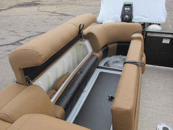 2021 Regency boat for sale, model of the boat is 230 LE3 Sport & Image # 14 of 43