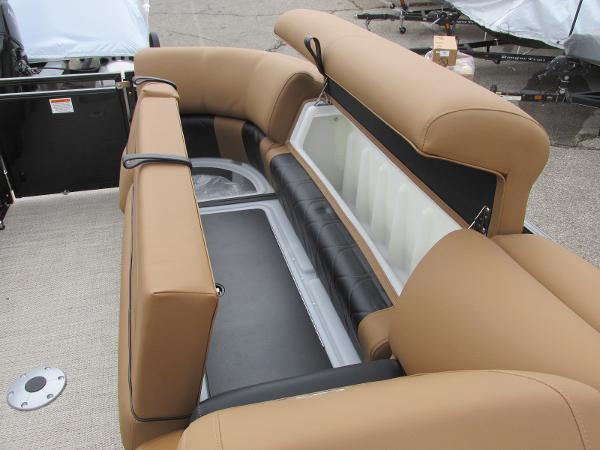 2021 Regency boat for sale, model of the boat is 230 LE3 Sport & Image # 15 of 43