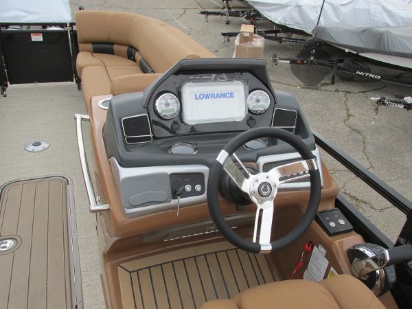 2021 Regency boat for sale, model of the boat is 230 LE3 Sport & Image # 25 of 43
