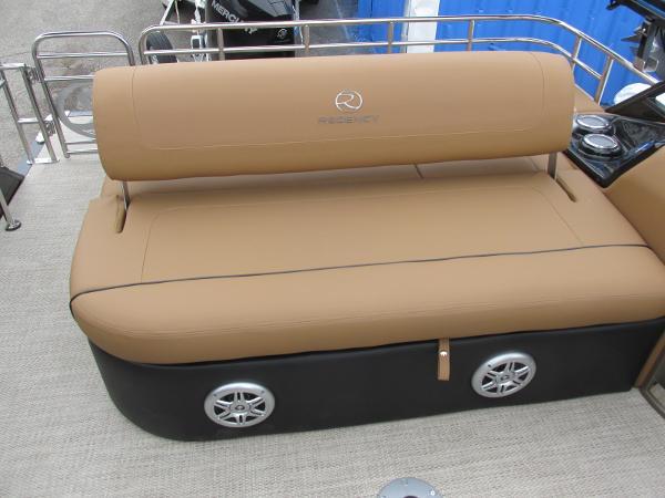 2021 Regency boat for sale, model of the boat is 230 LE3 Sport & Image # 32 of 43