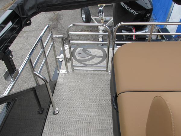 2021 Regency boat for sale, model of the boat is 230 LE3 Sport & Image # 39 of 43