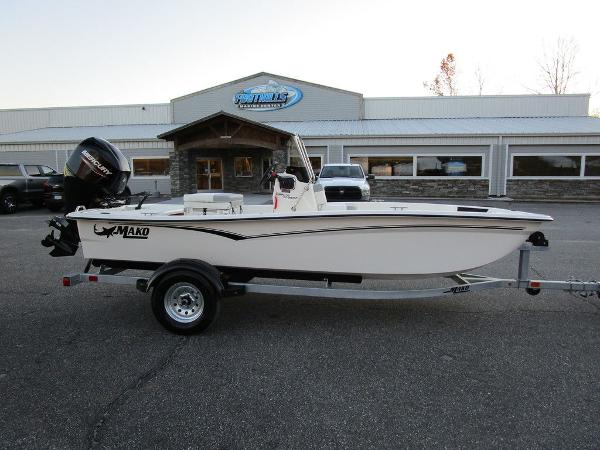 2021 Mako boat for sale, model of the boat is Pro Skiff 15 CC & Image # 1 of 31