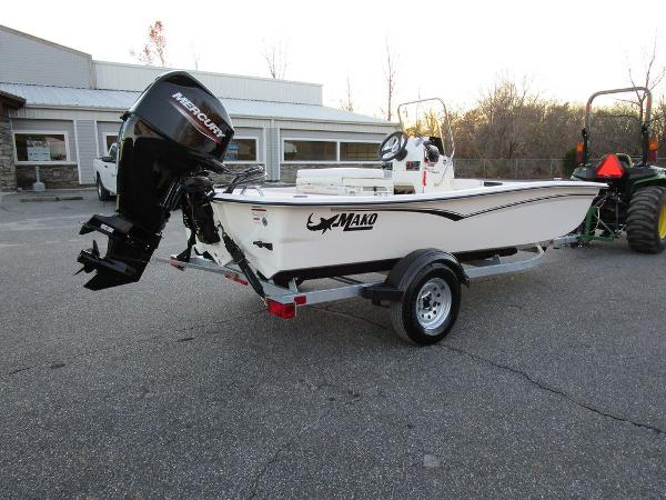 2021 Mako boat for sale, model of the boat is Pro Skiff 15 CC & Image # 2 of 31