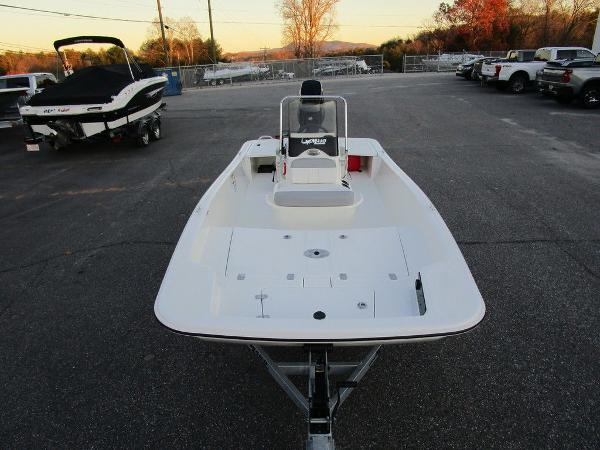 2021 Mako boat for sale, model of the boat is Pro Skiff 15 CC & Image # 4 of 31