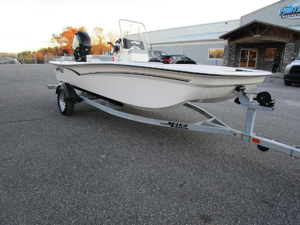 2021 Mako boat for sale, model of the boat is Pro Skiff 15 CC & Image # 6 of 31