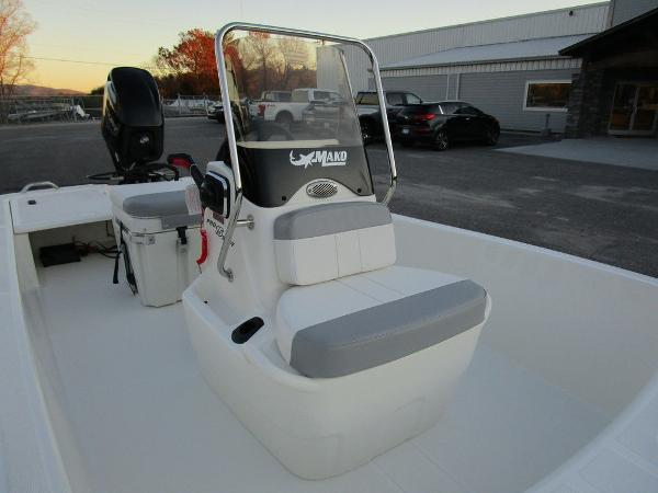 2021 Mako boat for sale, model of the boat is Pro Skiff 15 CC & Image # 9 of 31