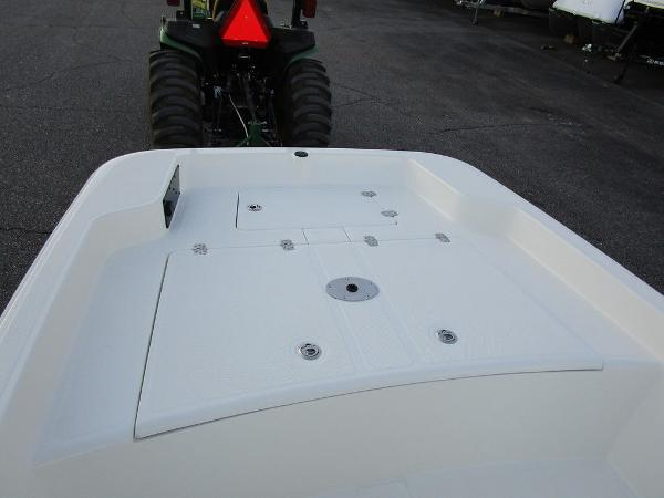 2021 Mako boat for sale, model of the boat is Pro Skiff 15 CC & Image # 13 of 31