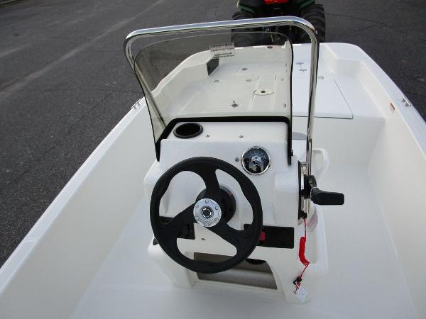 2021 Mako boat for sale, model of the boat is Pro Skiff 15 CC & Image # 15 of 31