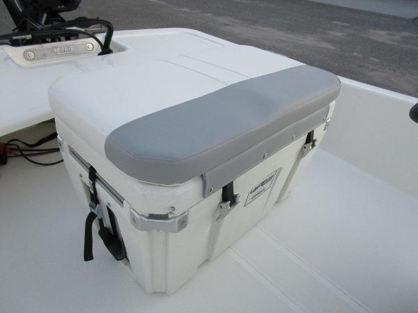 2021 Mako boat for sale, model of the boat is Pro Skiff 15 CC & Image # 30 of 31