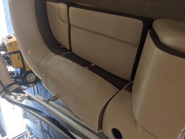 2018 Sun Tracker boat for sale, model of the boat is Party Barge 22 XP3 & Image # 10 of 18