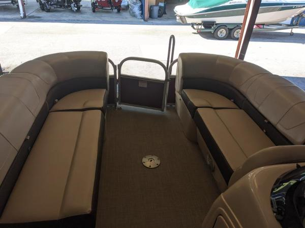 2018 Sun Tracker boat for sale, model of the boat is Party Barge 22 XP3 & Image # 11 of 18