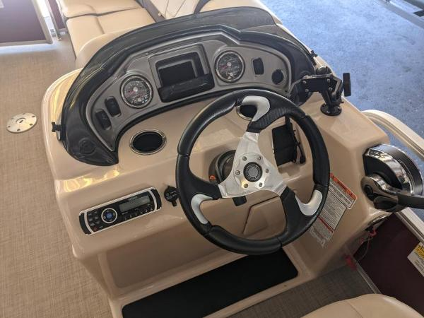 2018 Sun Tracker boat for sale, model of the boat is Party Barge 22 XP3 & Image # 5 of 18