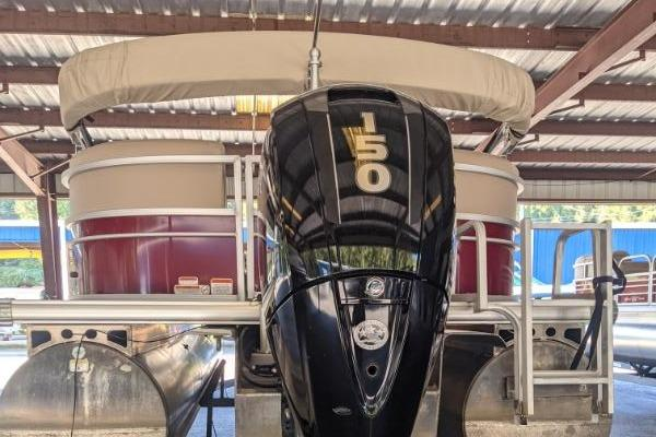 2018 Sun Tracker boat for sale, model of the boat is Party Barge 22 XP3 & Image # 2 of 18