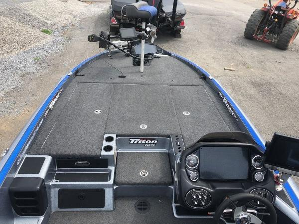 2018 Triton boat for sale, model of the boat is 21 TRX Patriot & Image # 9 of 15