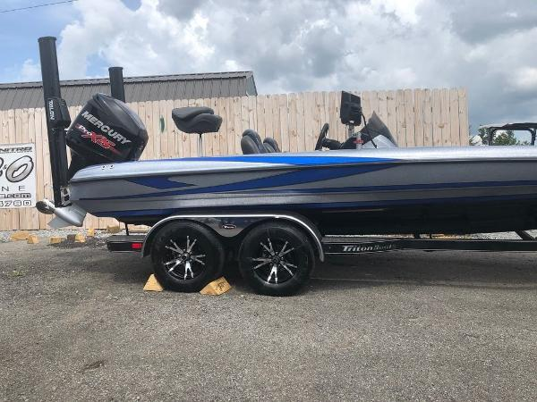 2018 Triton boat for sale, model of the boat is 21 TRX Patriot & Image # 10 of 15