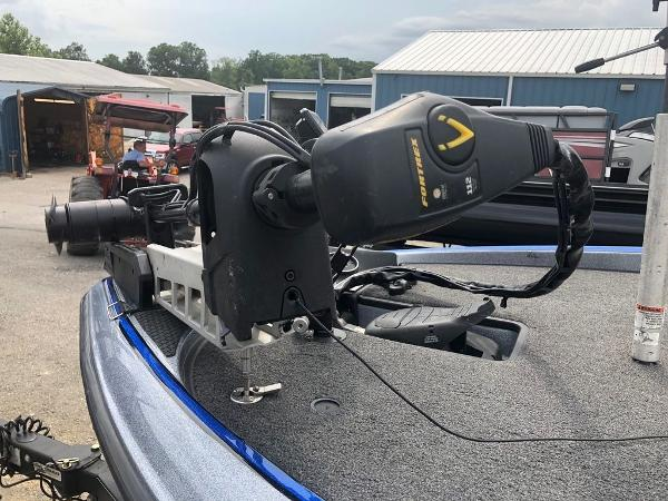 2018 Triton boat for sale, model of the boat is 21 TRX Patriot & Image # 12 of 15