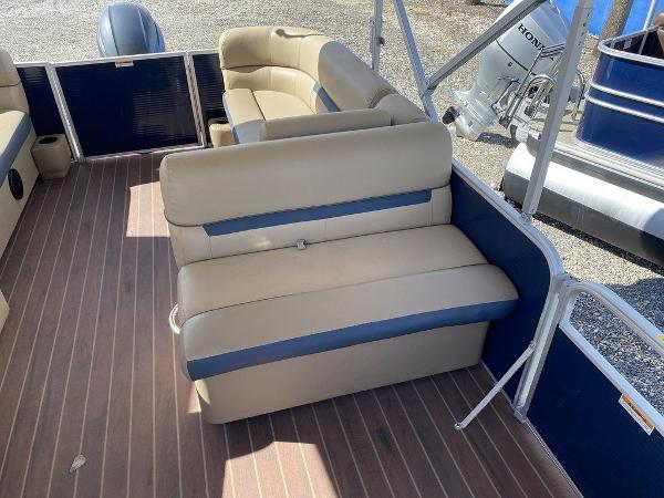 2019 Sweetwater boat for sale, model of the boat is 2286 & Image # 5 of 9