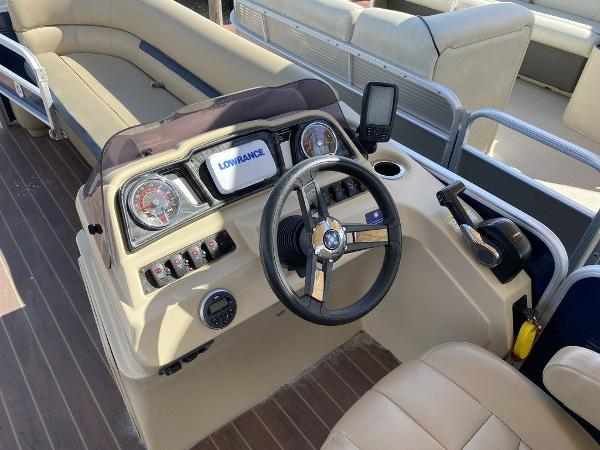 2019 Sweetwater boat for sale, model of the boat is 2286 & Image # 8 of 9