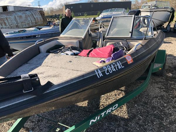 1998 Tracker Boats boat for sale, model of the boat is Nitro 185 Sport & Image # 2 of 6