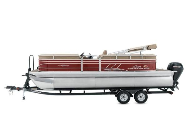 2021 Sun Tracker boat for sale, model of the boat is PARTY BARGE® 22 XP3 & Image # 3 of 30