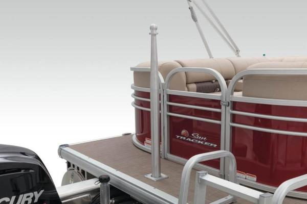 2021 Sun Tracker boat for sale, model of the boat is PARTY BARGE® 22 XP3 & Image # 7 of 30