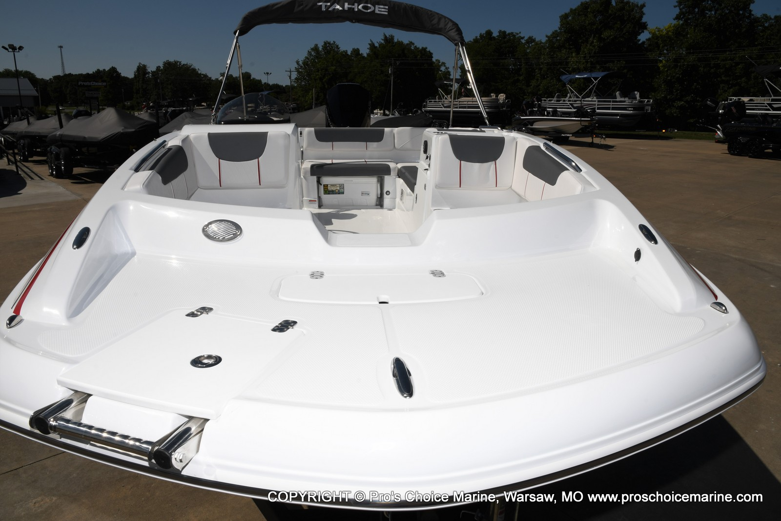 2021 Tahoe boat for sale, model of the boat is 2150 & Image # 2 of 50