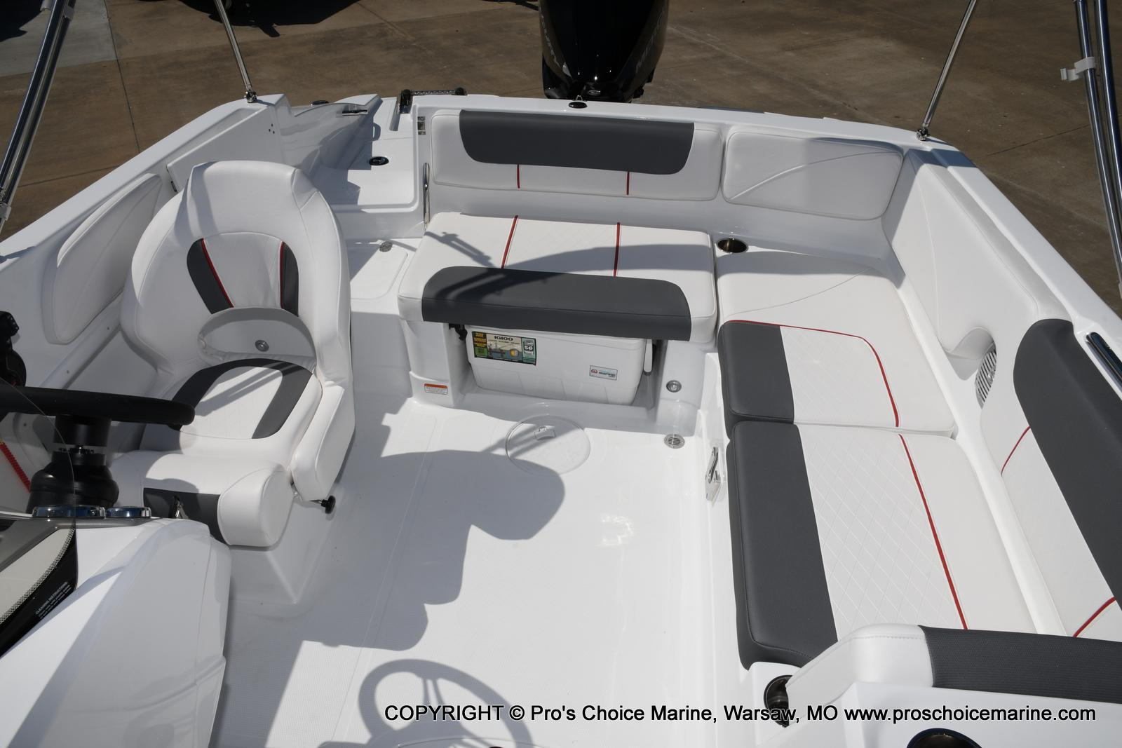 2021 Tahoe boat for sale, model of the boat is 2150 & Image # 23 of 50