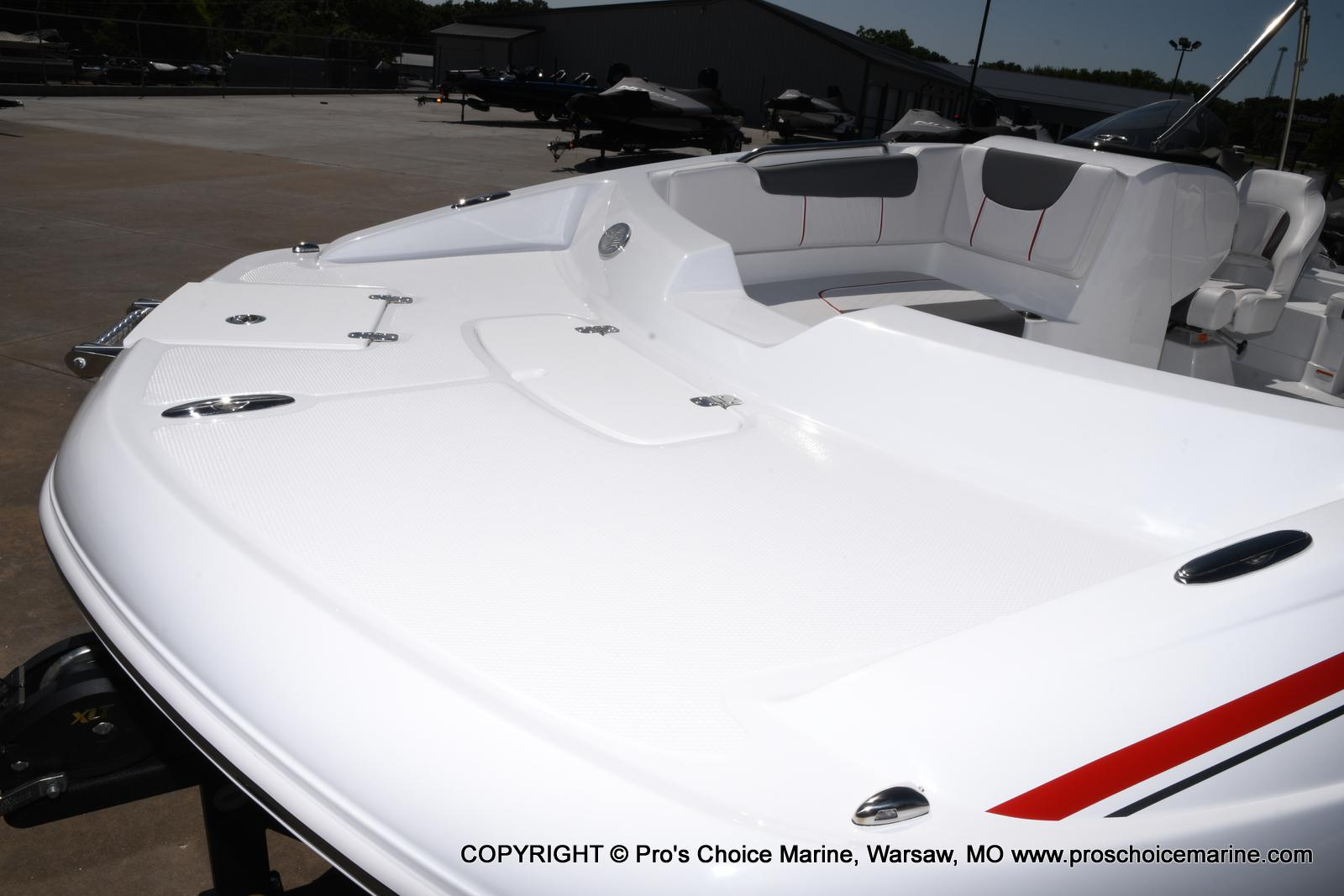 2021 Tahoe boat for sale, model of the boat is 2150 & Image # 39 of 50