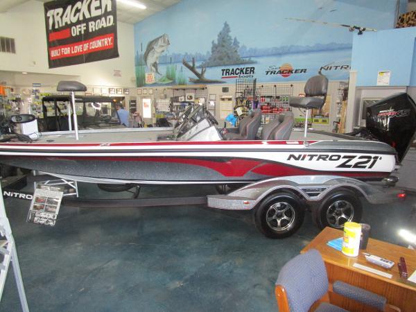 2021 Nitro boat for sale, model of the boat is Z21 & Image # 1 of 71