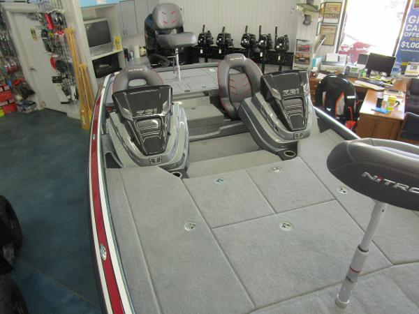 2021 Nitro boat for sale, model of the boat is Z21 & Image # 3 of 71