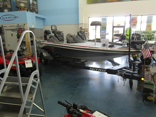 2021 Nitro boat for sale, model of the boat is Z21 & Image # 4 of 71