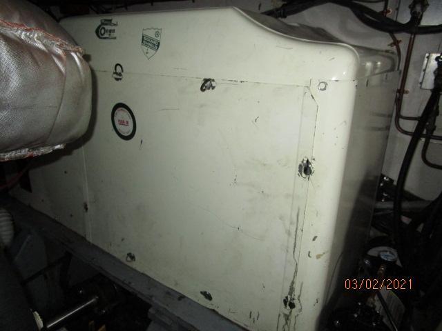 48' Hatteras generator sound box
